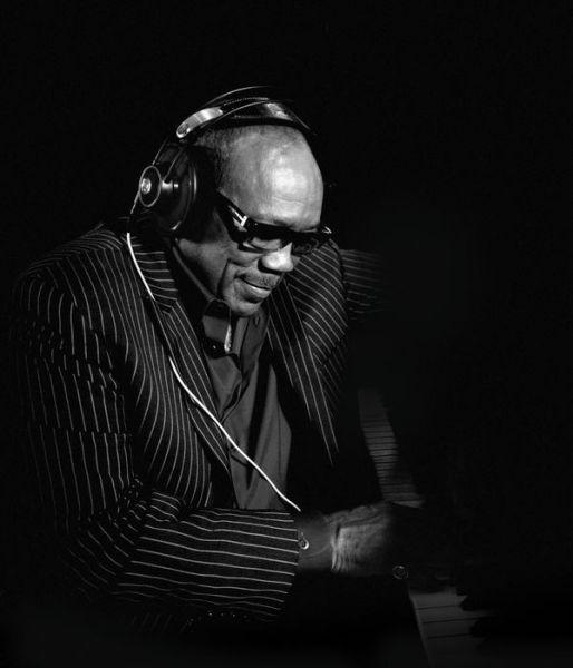AKG Q 701 fejhallgató Quincy Jones-szal