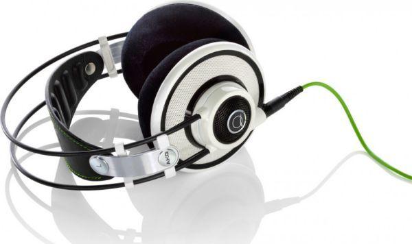 AKG Q 701 fejhallgató fehér színben