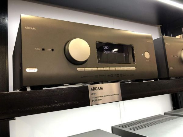 Arcam AV40 házimozi processzor