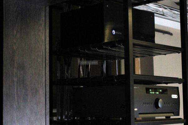 Arcam AV860 házimozi processzor és Acurus A2007