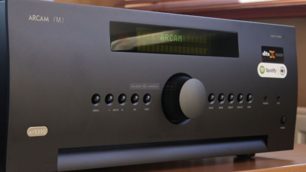 Arcam AVR390 házimozi erősítő
