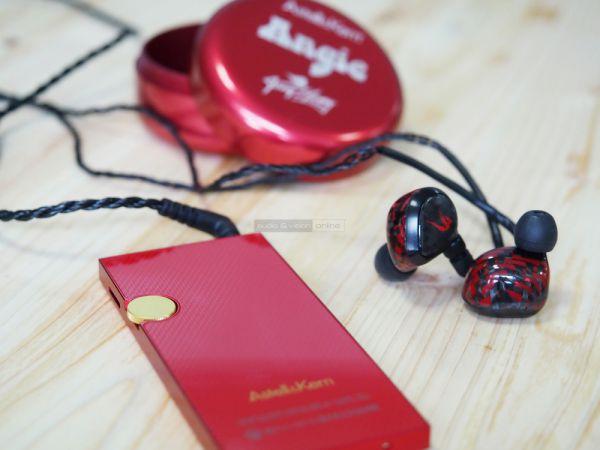 Astell and Kern AK Jr audio lejátszó piros kivitelben