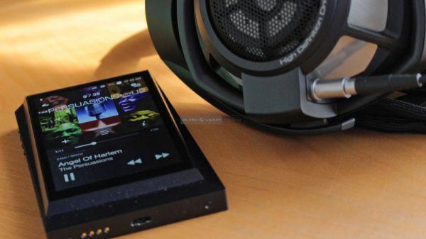 Astell&Kern AK300 mobil hifi lejátszó és Sennheiser HD 800 S fejhallgató
