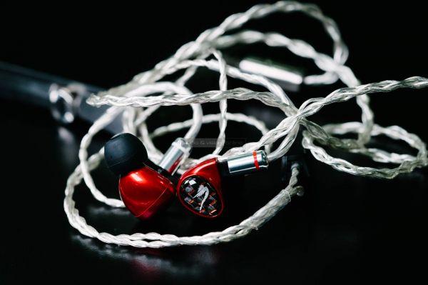 Astell&Kern Billie Jean fülhallgató szimmetrikus kábel