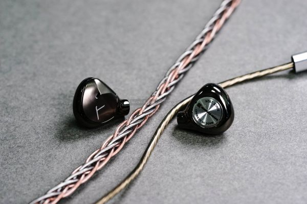 Astell&Kern T9iE fülhallgató