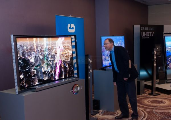 Audio and Vision Show 2013 Samsung OLED TV
