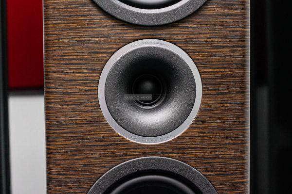 Audio Solutions O303F hangfal magassugárzó