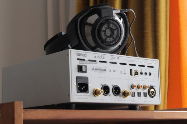 Audiolab M-DAC+ DA konverter hátlap