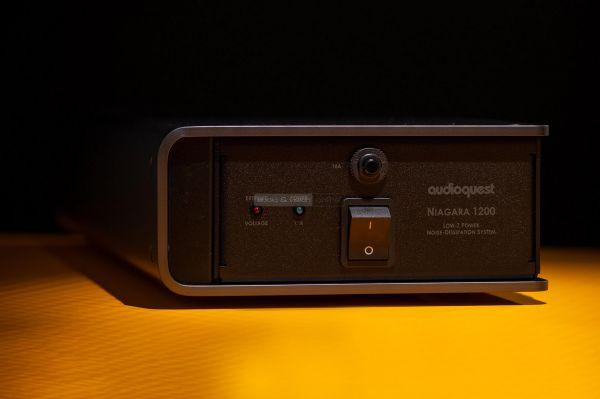 AudioQuest Niagara 1200 tápszűrő