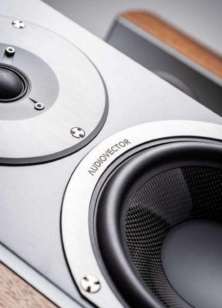 Audiovector R1 Signature hangfal hangszórók