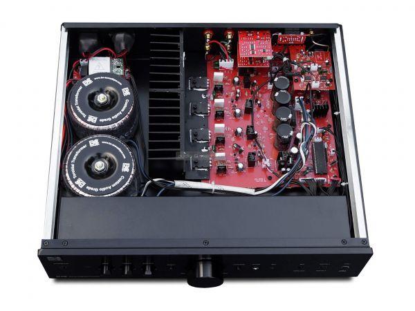 BC Acoustique EX-232 sztereó erősítő belső
