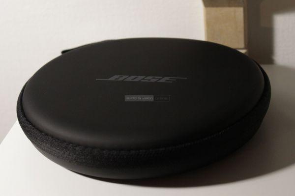 Bose QuietControl 30 aktív zajzáras Bluetooth fülhallgató tok