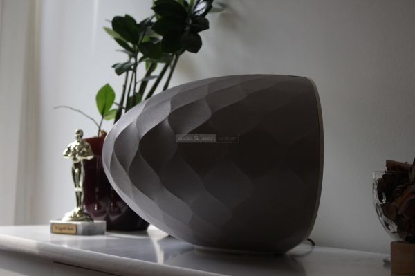 Bowers Wilkins Formation Wedge Bluetooth hangszóró