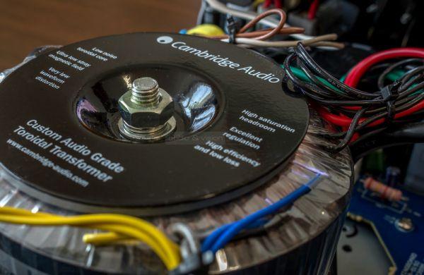 Cambridge Audio 551R V2 házimozi erősítő toroid transzformátor