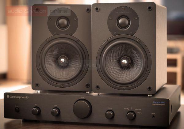 Cambridge Audio Topaz AM5 integrált sztereó erősítő és S30 állványos hangfal