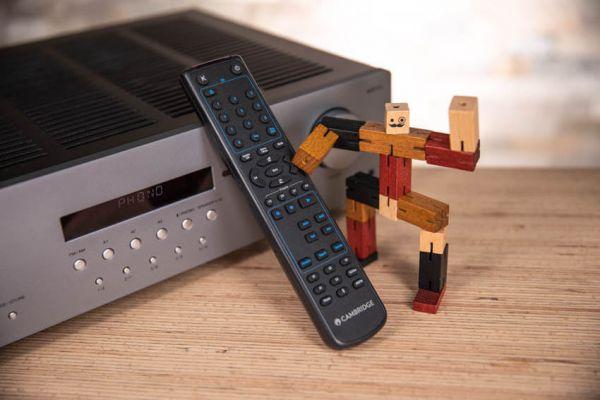 Cambridge Audio AXR85 sztereó rádióerősítő távvezérlő