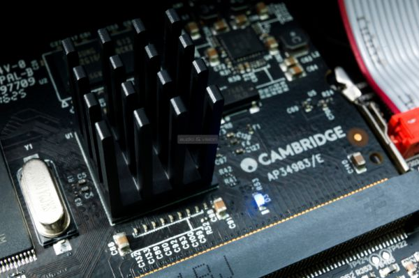 Cambridge Audio Edge NQ előerősítő