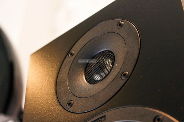 Canton GLE 30 hangfal magassugárzó