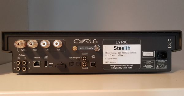 Cyrus Lyric all-in-one hifi rendszer hátlap