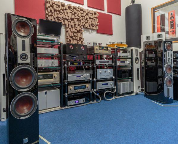 DALI EPICON 8 hangfal a Stream Audio-ban