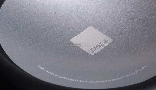 DALI SUB E-9 F aktív mélyláda hangszóró