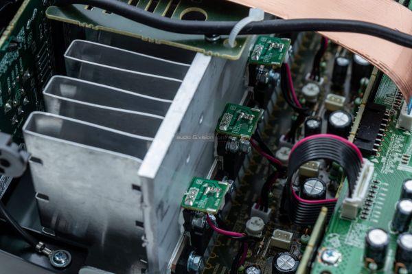 Denon AVR-X1500H házimozi erősítő belső