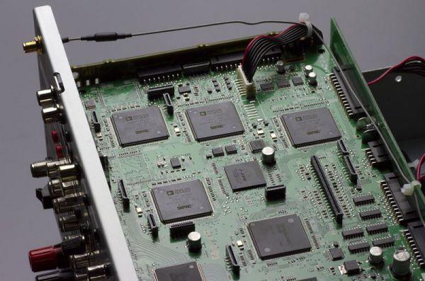 Denon AVR-X4200W házimozi erősítő belső