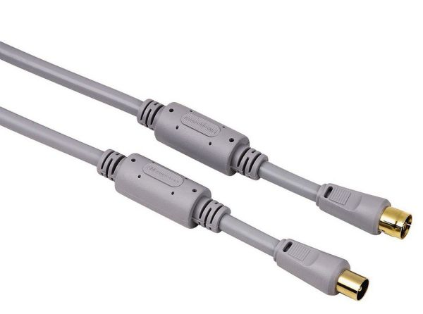 Egy 100 dB-es kábel a Hama-tól