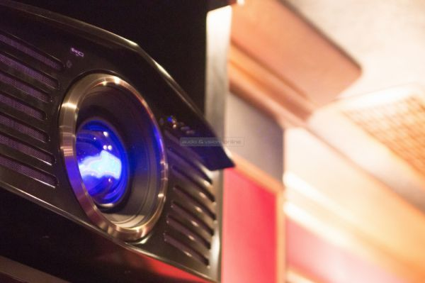 DreamVision HELIOS 4K házimozi lézerprojektor