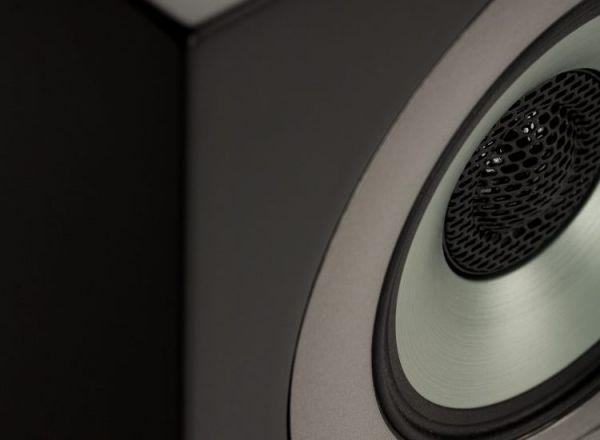 ELAC Uni-Fi Slim hangszóró