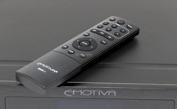 Emotiva MC-700 házimozi processzor távvezérlő
