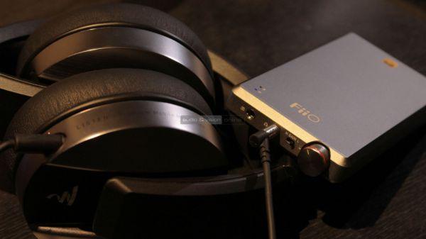FiiO A5 fejhallgató erősítő és Focal Listen fejhallgató
