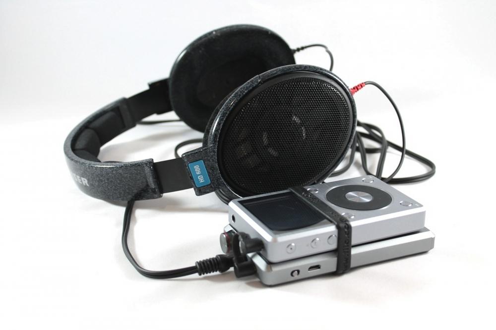 FiiO A5 fejhallgató erősítő és Sennheiser HD 600 fejhallgató