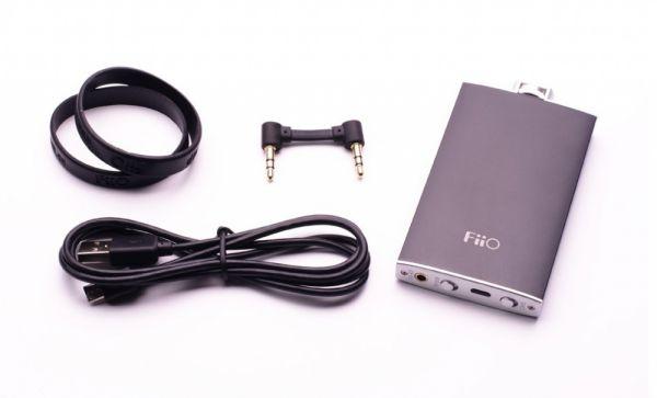 FiiO Q1 USB DAC tertozékaival