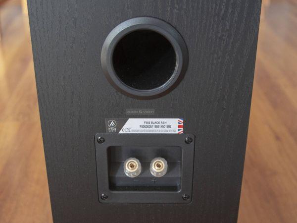 Fyne Audio F302 hangfal hátlap