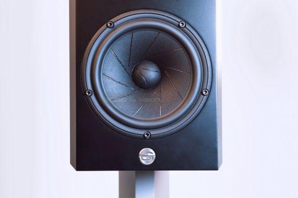 GamuT The Minent M3 high end állványos hangfal mélysugárzó
