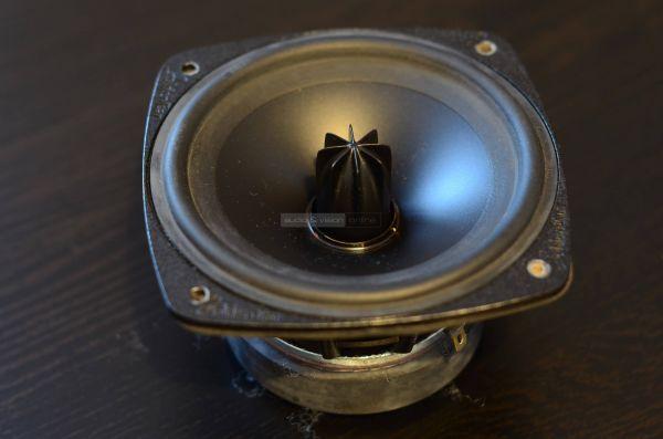 GoldenEar Triton Three+ hangfal középsugárzó