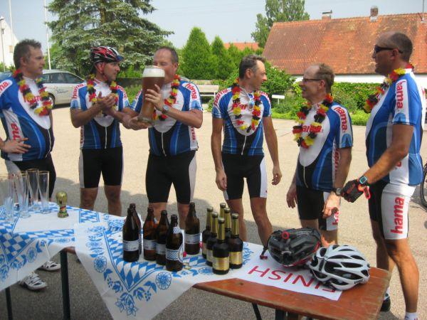 Hama Magyarország csapata bringatúra Monheimbe
