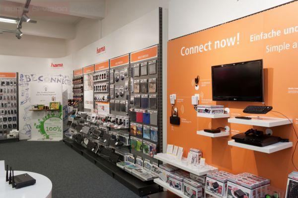 Akad itt tévéhez használható billentyűzet és mindenféle hálózat bővitő eszköz is