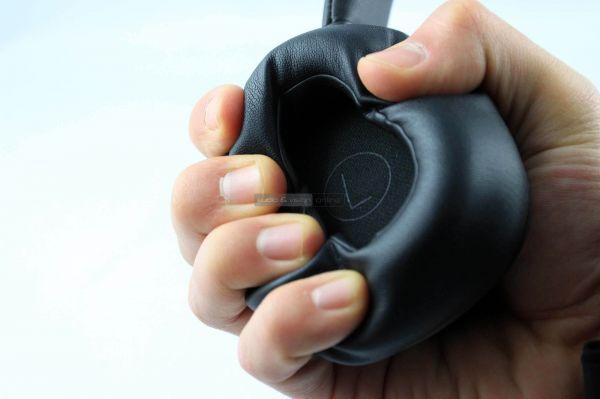 Harman Kardon FLY ANC aktív zajzáras Bluetooth fejhallgató fejpárna