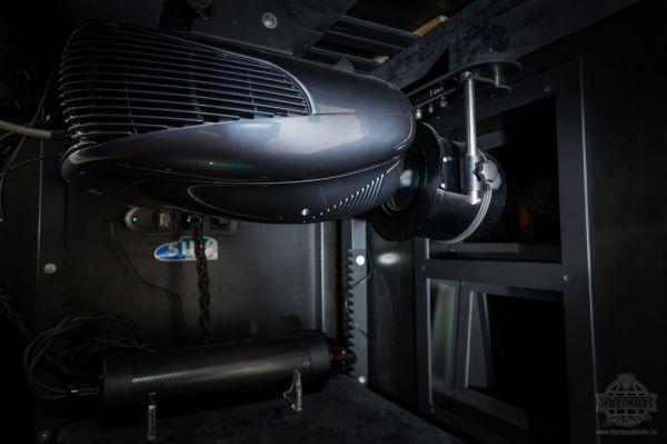 Házimozi Stúdió Grand Theatre moziszoba SIM2 projektor
