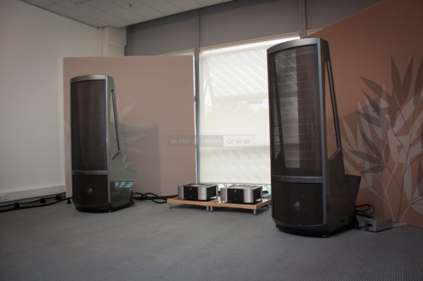 HIGH END 2014 Martin Logan Neolith hangfal