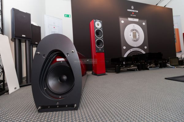 HIGH END 2015 Audiovector