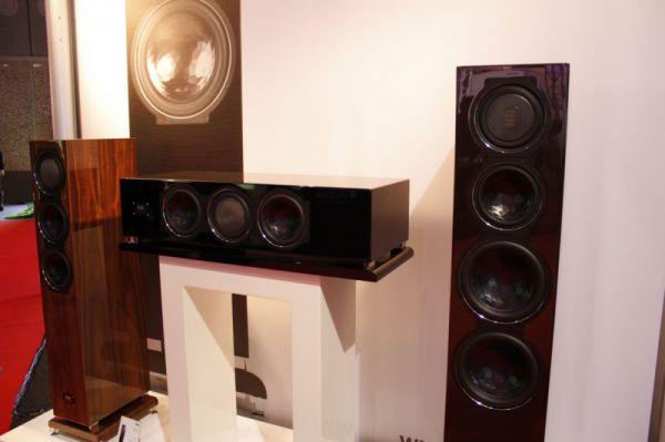ISE 2013 ELAC FS 509 VX-JET álló hangfal és CC 501 VX-JET centersugárzó