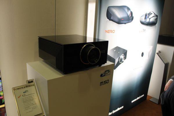 ISE 2012 SIM2 M.150 projektor