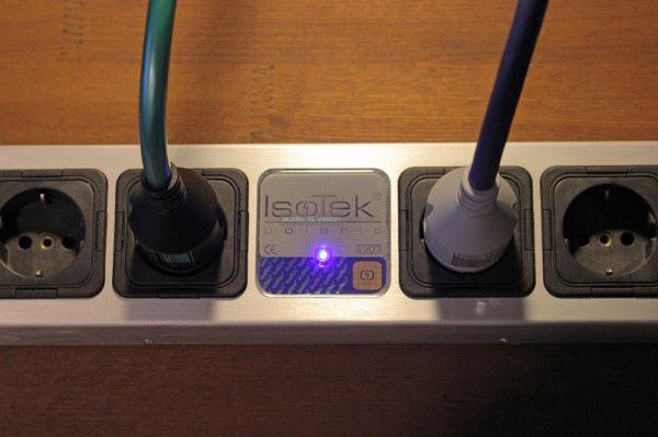 Isotek EVO3 Initium és EVO3 Premier tápkábelek Polaris tápelosztóban