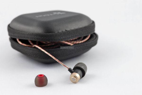 iTech ProStereo L1 fülhallgató tok
