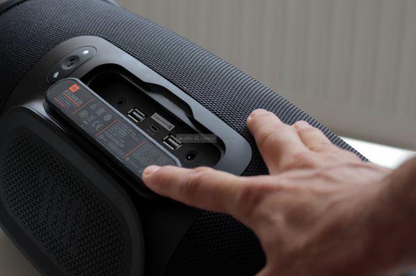 JBL Boombox Bluetooth hangszóró csatlakozók