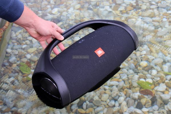 JBL Boombox vízálló Bluetooth hangszóró