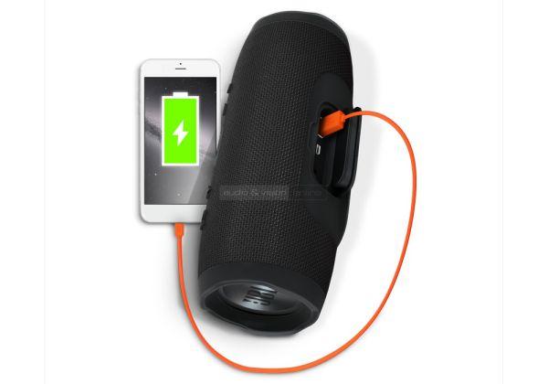 JBL Charge 3 Bluetooth hangszóró akkubank funkció